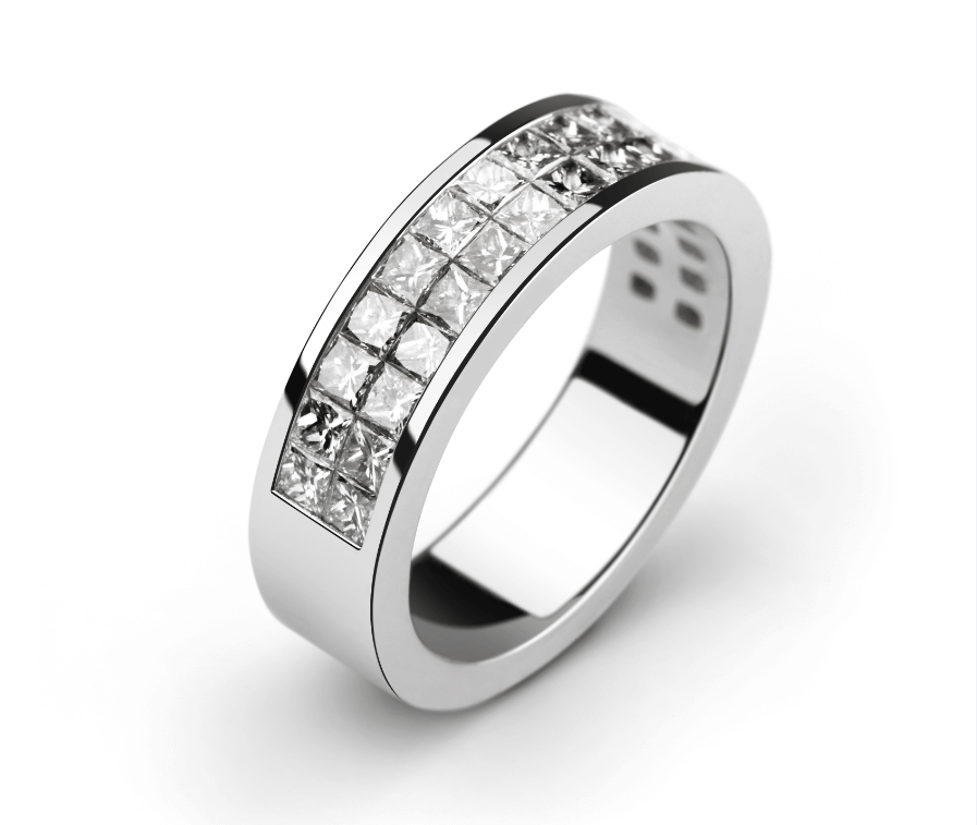 Image Showcasing Invisible Setting on a White Gold Ring