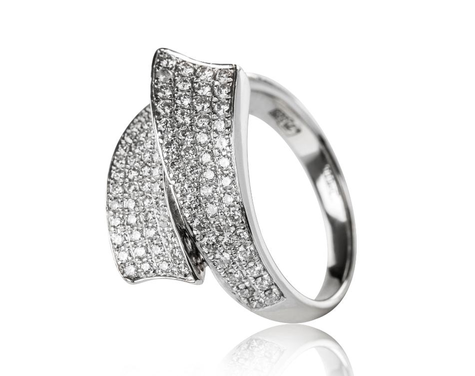 White gold rhodium ring